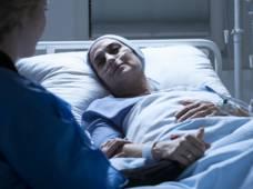 femme-soins-fin-de-vie-PV