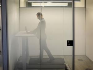 Dossier - Travail de bureau - Remplacer sa chaise par un tapis roulant