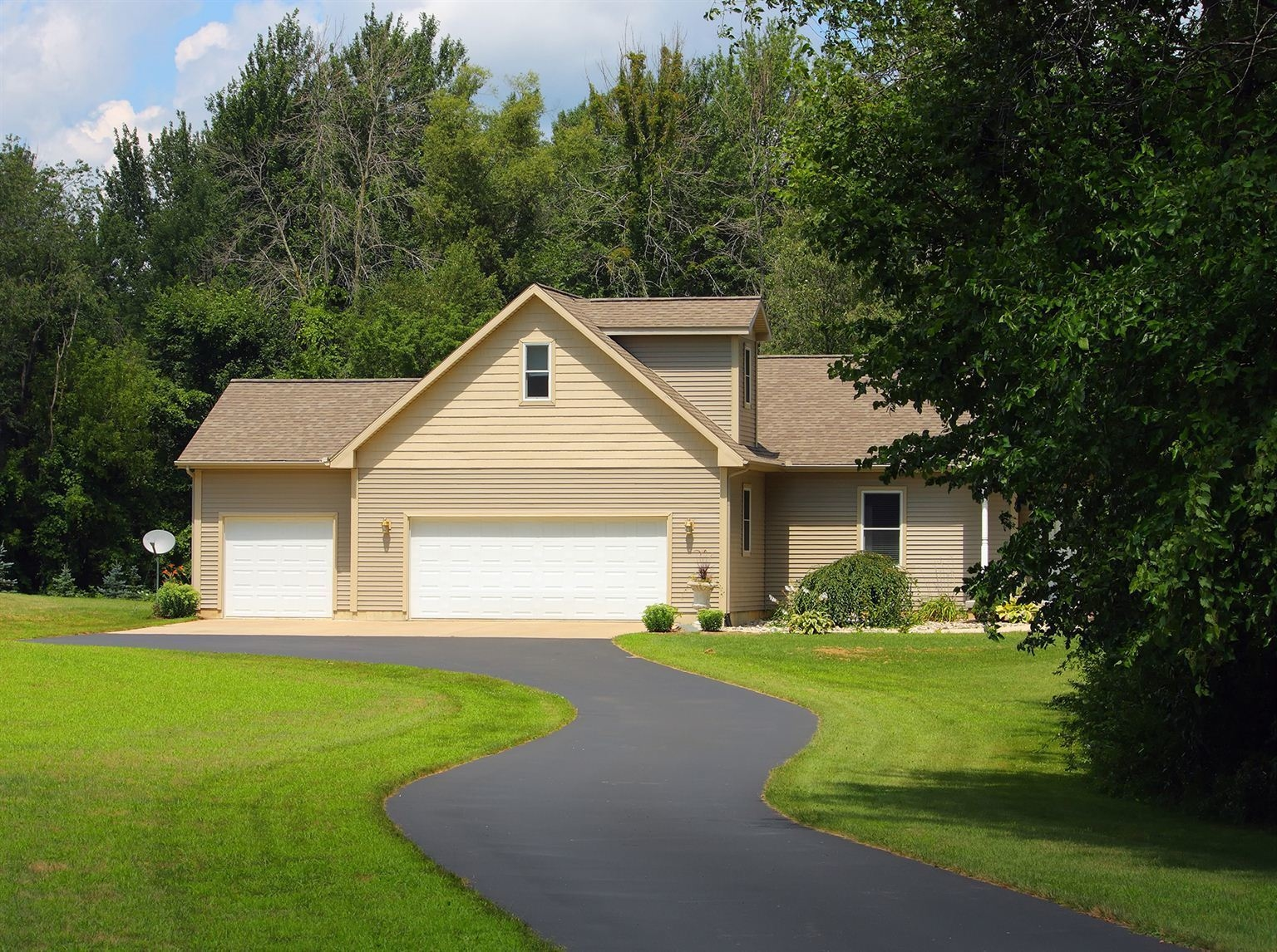 Refaire Une Cour En Gravier conseils pour asphalter son entrée de garage | protégez-vous.ca