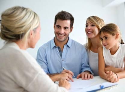 Vendre sa maison avec un courtier immobilier: à quoi s'attendre