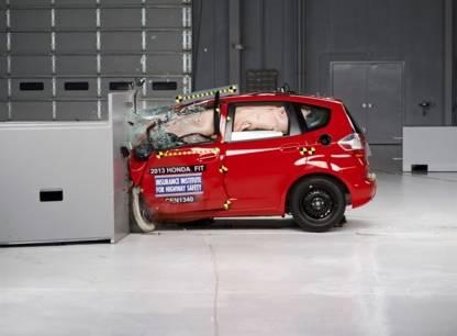 IPAD - Guide autos neuves automne 2014 - Petites autos: gros problèmes?
