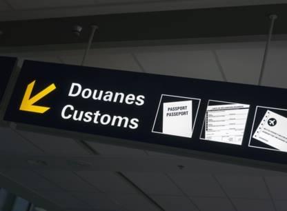 Dossier - Retour des vacances: ce qu'il faut déclarer aux douanes