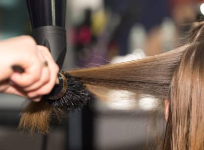 Des produits dangereux dans les salons de coiffure