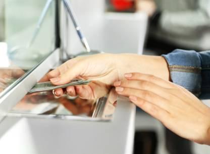 Qui protegera les clients des banques