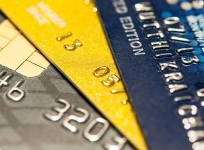 Devises étrangères sur cartes de crédit: réclamez votre dû!