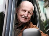 Vous approchez 75 ans? Sachez comment renouveler votre permis de conduire.