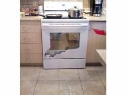 Cas vécu: la vitre d'une cuisinière Samsung craque en mille morceaux