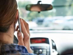 Cellulaire au volant: infractions plus sévères dès la semaine prochaine