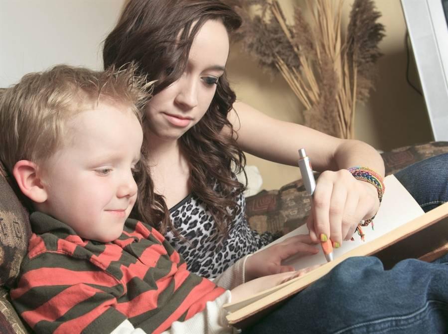 Comment établir le salaire d'un gardien d'enfant