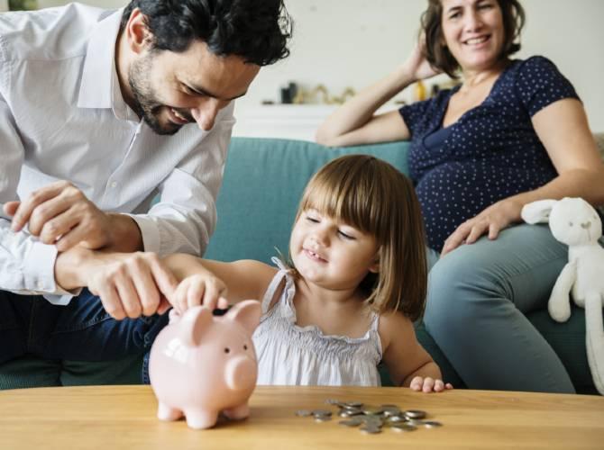 famille-compte-argent-670x500