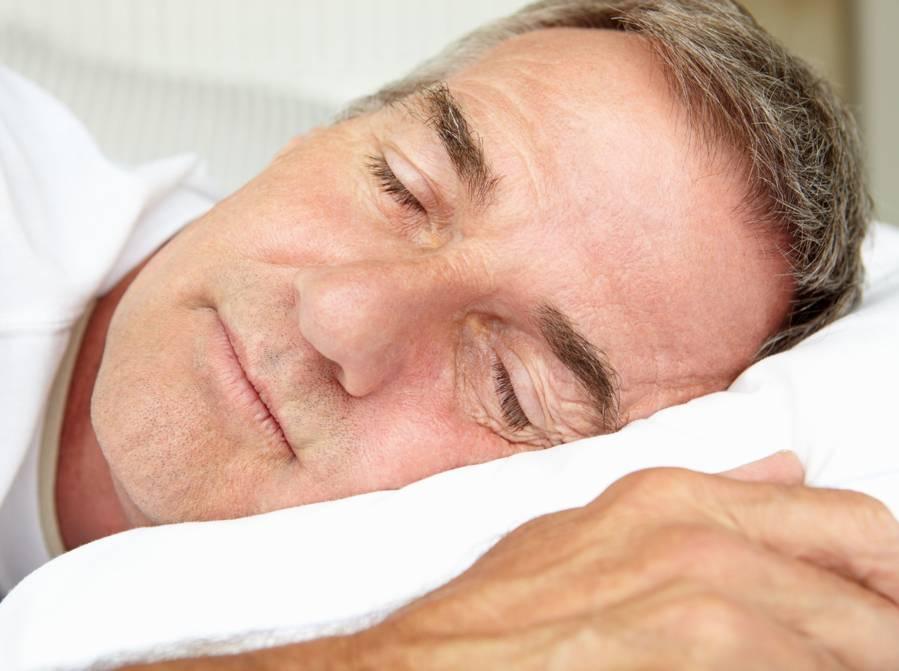 Vieillir en santé: conseils pour combattre l'insomnie et la douleur chronique