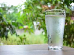 eau est le meilleur liquide a boire pour bien s hydrater