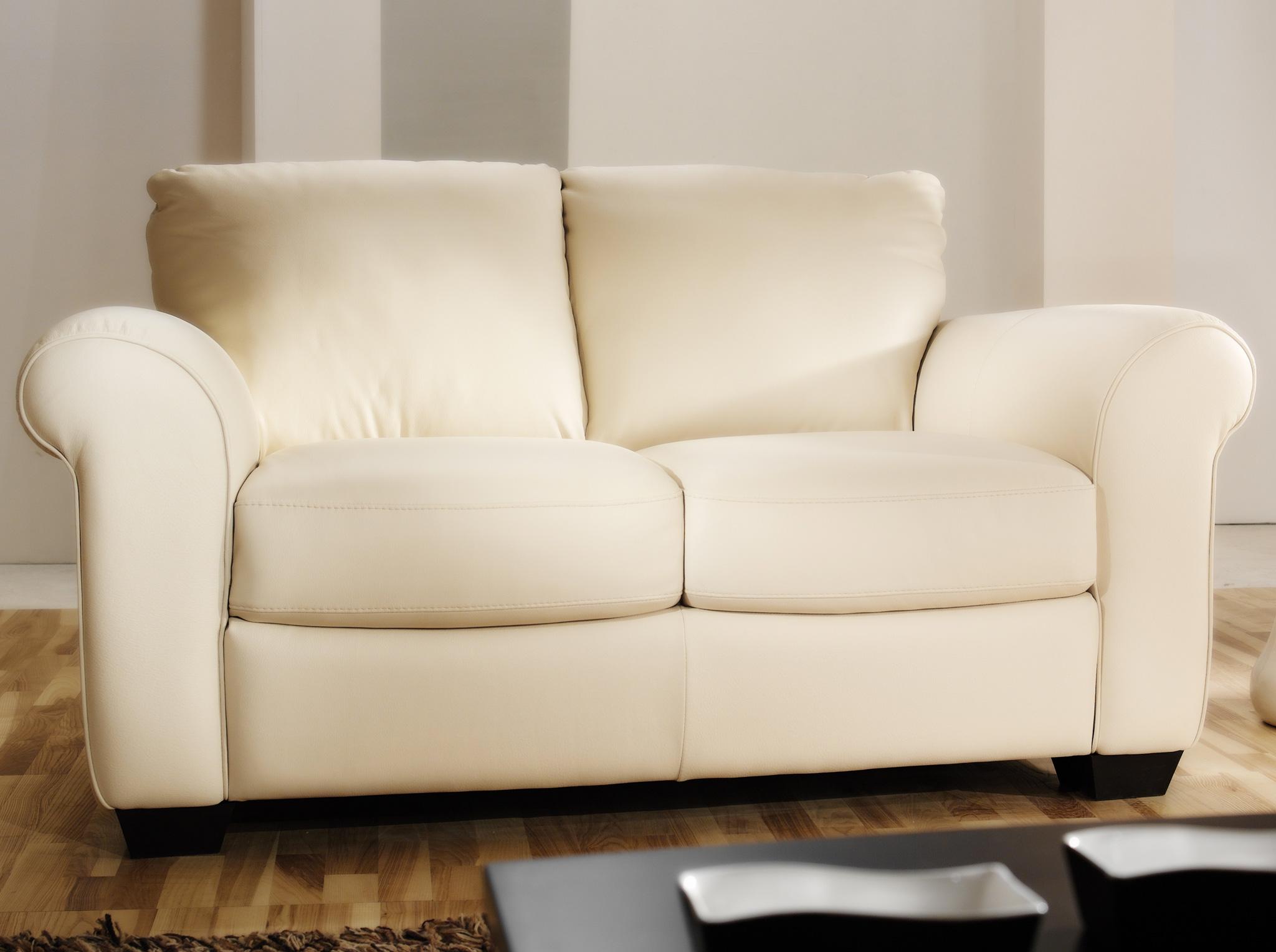 Changer La Couleur D Un Canapé En Cuir fauteuils et divans usés avant l'heure: comment obtenir
