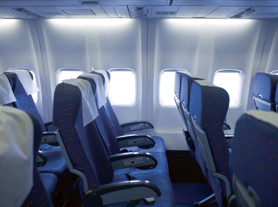Voyage en avion payer pour des extras a vaut la peine for Avion air transat interieur