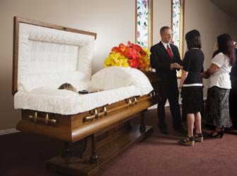 Cinq pi ges viter au salon fun raire prot gez for Salon funeraire